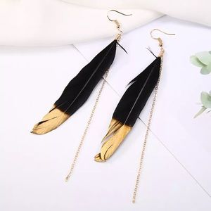 💛🖤Black gold dipped feather earrings